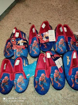 pantofa de Spiderman