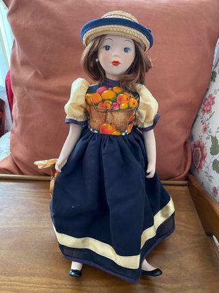REBAJADO - Muñeca de porcelana NUEVA