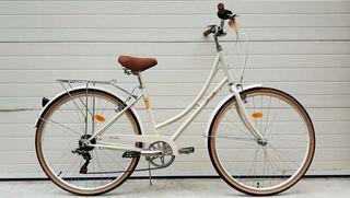 Bicicleta paseo marca Fabric color crema