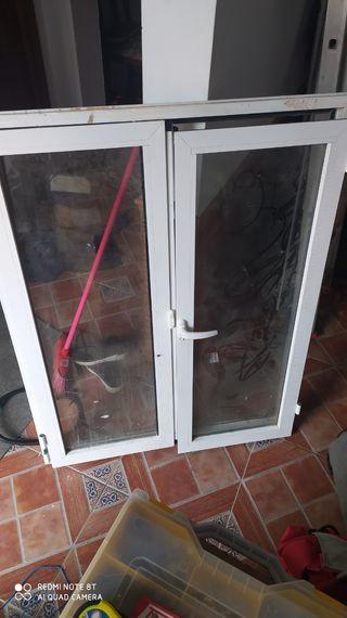 ventana abatible aluminio
