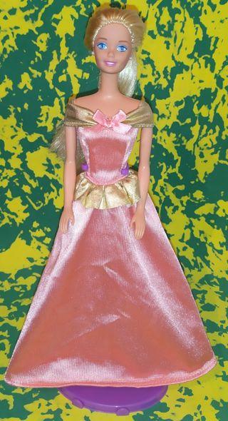 Muñeca Barbie princesa.