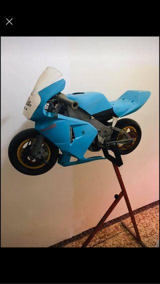 Mini moto polini refrigerada por agua