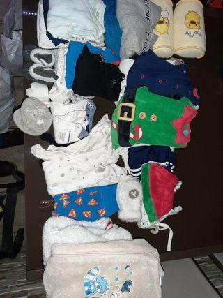 Lote ropa bebe niño de 0 a 6 meses, muy buena
