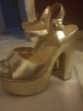 sandalias de tacón doradas 37