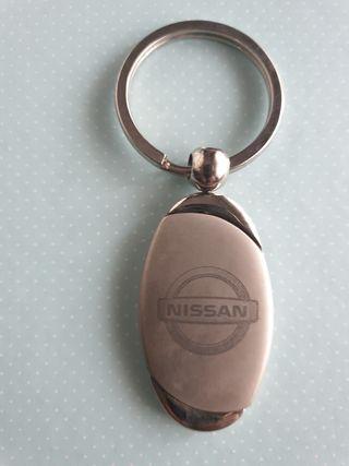 llavero original de Nissan nuevo