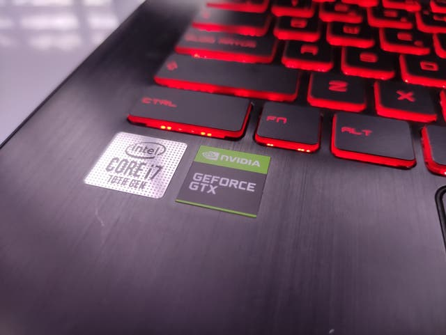 Portátil gaming workstation con garantía