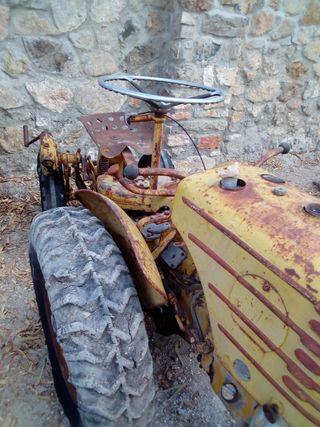 tractor taisa antiguo para restaurar