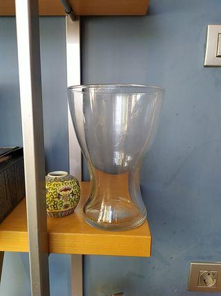 jarrón cristal decorativo