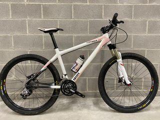 Bicicleta mtb 26 CommençakL Carbono skin