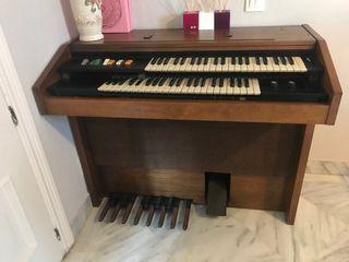 Órgano Hammond vs-100