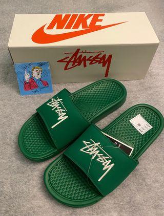 Nike Benassi x Stussy us10/eu44