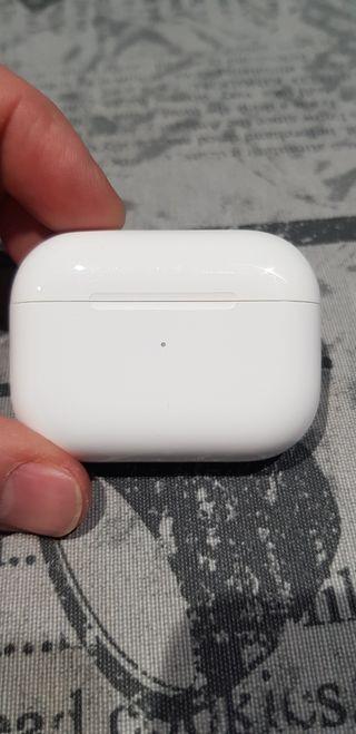 Caja airpods pro