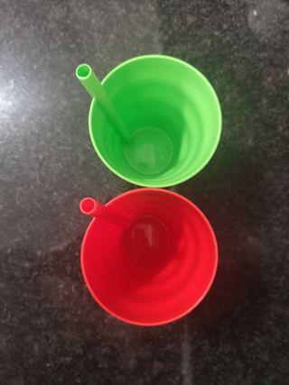 Vasos plástico con pajita incorporada