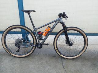 vendo o cambio por bicicleta de carretera (disc).