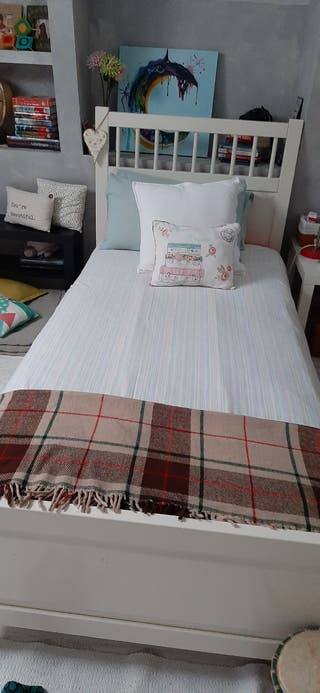 cama de 90 Hemmes, de Ikea.