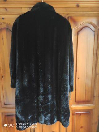 se vende abrigo de piel acrílico