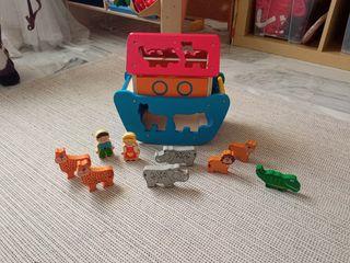 juguete bebé. Arca de Noé madera