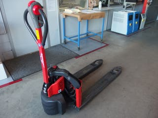 Transpaleta electrica 1200 kgs. LINDE MT 12