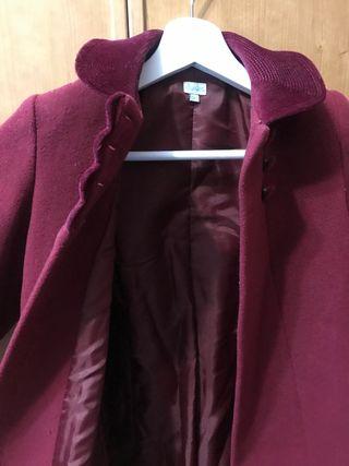 Abrigo con capota