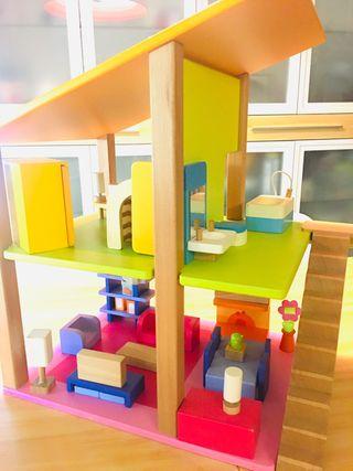 Casa de muñecas moderna de madera