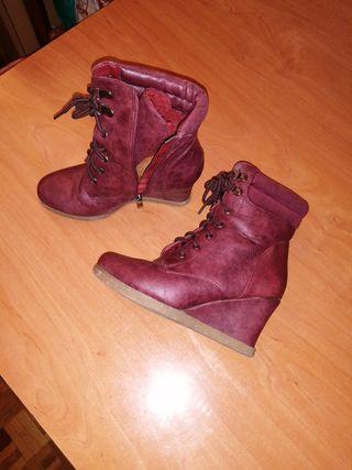 Botas botines Cuña color granate talla 36-37