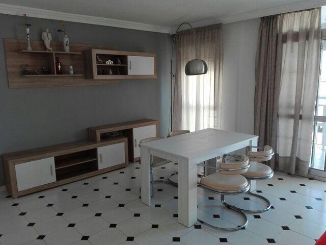 Alquiler de piso de 3 dormit en horacio lengo, zona avd de la aurora (Colmenar, Málaga)