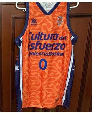 Camiseta y peto reversible del Valencia Basket