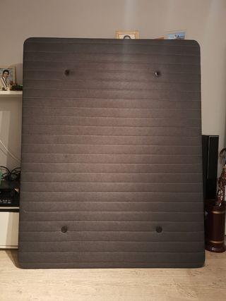 Base tapizada 3D Air de HOME.