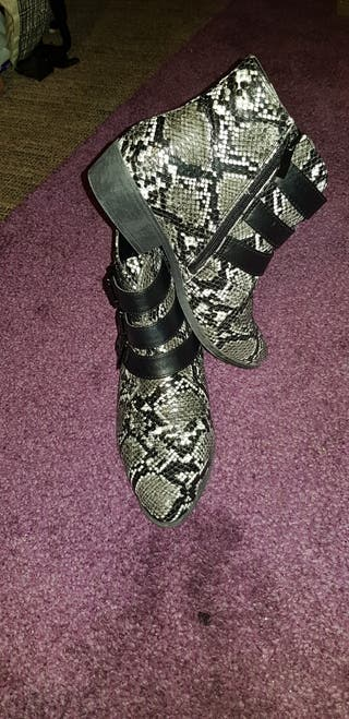 Leather Boots - Size 6