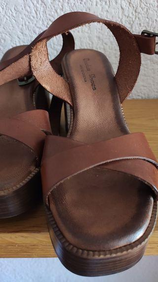 Sandalia con plataforma