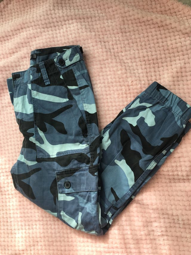 Pantalones Militar Azul Bershka De Segunda Mano Por 10 En Santa Cruz De Tenerife En Wallapop