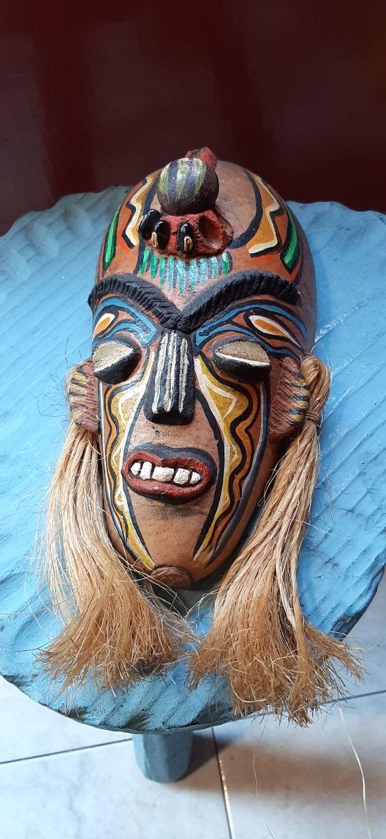 Máscara Balinesa vintage de coco