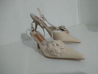 A ESTRENAR zapatos piel de salón beige
