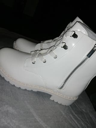 Bottines militaires blanches