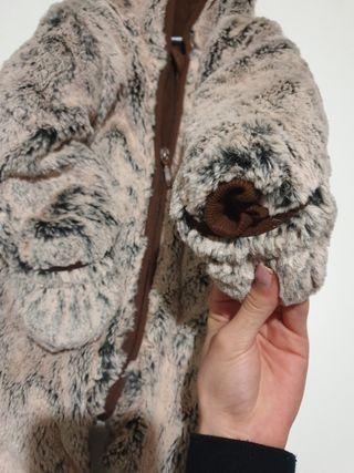 Buzo osito con manoplas y pantuflas incorporadas