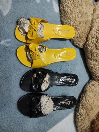 sandalias tacón negro y amarillo