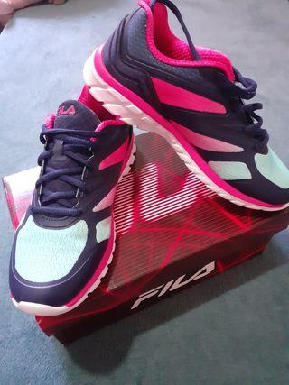 Zapatos Fila talla 39