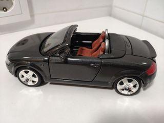 maqueta Audi TT Cabrio 1:24