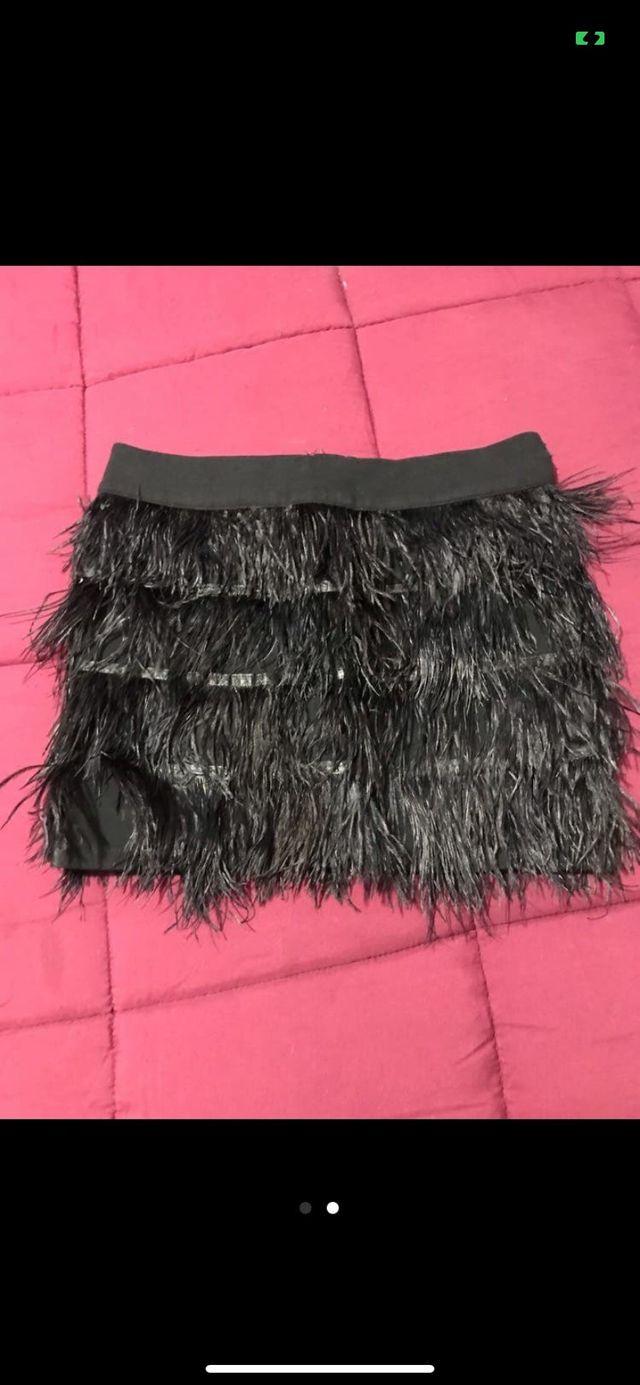 Falda de plumas