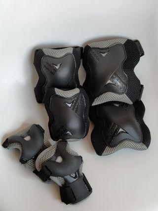 Equipo protección patinaje Boomerang nuevo