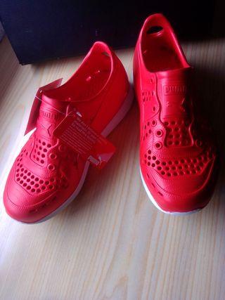 Zapatillas de piscina Puma / Chanclas