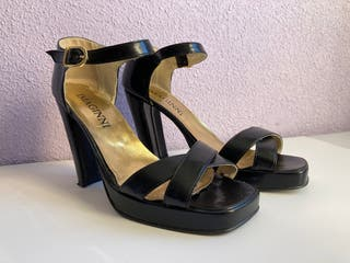 Sandalia de plataforma negra talla 38