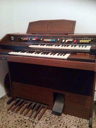 Órgano eléctrico Gem Wizard 326 (en Zaragoza)