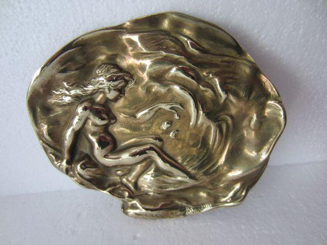 Bandeja o vacía bolsillos de bronce macizo antigua