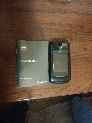 Motorola v9, cuarta foto se ve el arañazo q tiene.