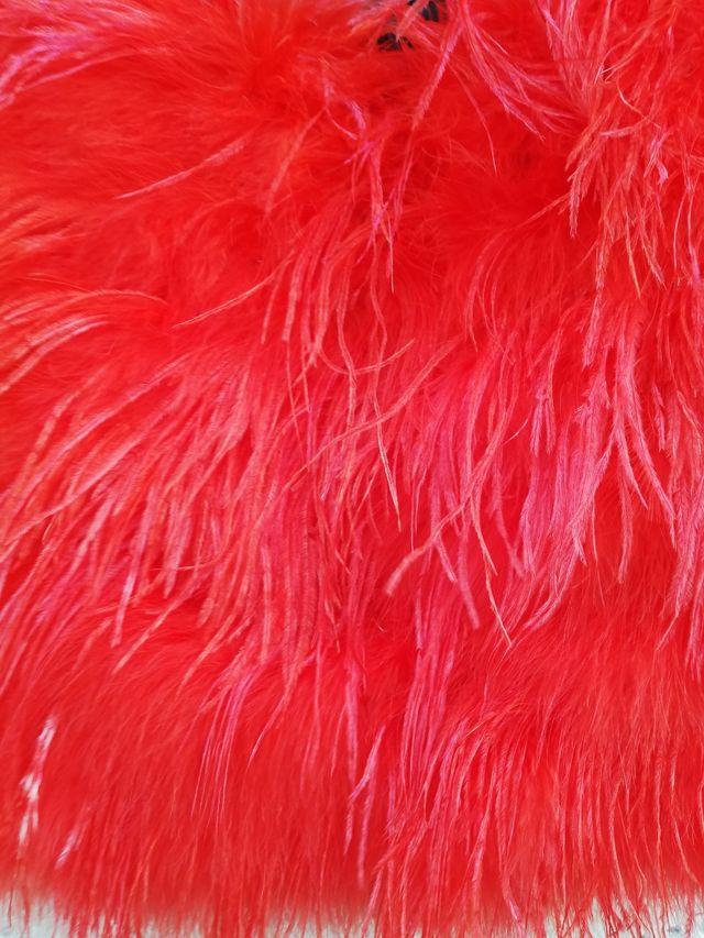 Falda plumas coral