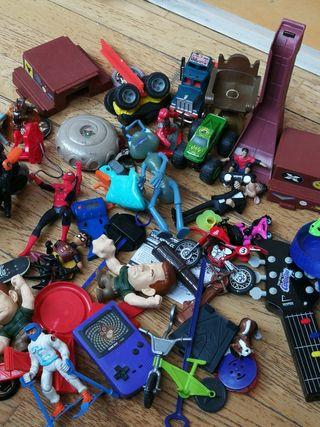 lote muñecos juguetes / niños dibujos infantiles