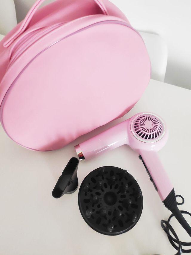 Secador remington rosa estilo retro