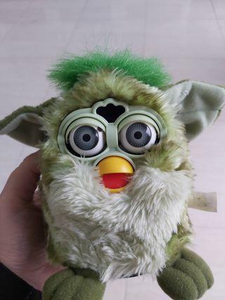 Furby verde antiguo