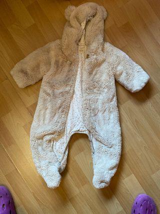 Buzo de pelo marca Zara para bebé 9-12 mesws